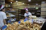 Aparan;Aragatsotn;Armenia;Armenian;breads;_baked_goods;_foods;Caucasus;Europe;woman;_women;_female;_person;_people