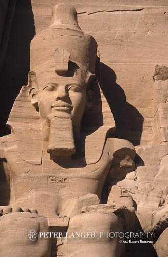 Egypt;Egyptian;Ancient;Archaeology;Architecture;arid;Art;art;Art history;art history;Aswan;deserts;Great Temple of Ramses II;Middle East;Near East;Nile;North Africa;Ramses II;rivers;statue;streams;Temple of Ramses II;UNESCO;water;World Heritage Site;Abu Simbel