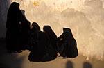 Egypt;Egyptian;Veil;women;Edfu;Aswan;arid;deserts;female;Edfu;Middle_East;Near_East;Nile;North_Africa;people;Egyptians;Arabs;Arabic;person;persons;rivers;streams;Veiled;Veiled_women;water;woman;women;Egypt
