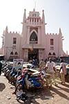 Mali;Malian;Africa;West_Africa;man;men;male;person;people;marketplaces;markets;merchants;people;persons;retailers;salespersons;sellers;shopping;vendors;Bamako;Market;Bamako