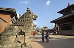 Nepal;Nepali;Nepalese;Asia;Architecture;Art;Art_history;Himalayas;Kathmandu_Valley;persons;people;South_Asia;UNESCO;World_Heritage_Site;Bhaktapur;Kathmandu_Valley;Madhyamanchal;Central_Region;Stone;Lion;Guard;Durbar_Square