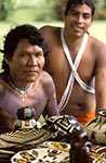 Panama;Art;Art_history;arts;Central_America;cloth;crafts;fabrics;handicrafts;Latin_America;man;men;male;person;people;Panamanians;Panamanian;people;Panamanians;persons;textiles;Kuna;Indians;woven;baskets;San_Blas;Islands