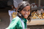 Asia;Baucau;East_Timor;girl;_girls;_child;_children;_youngsters;_kids;_childhood;_person;_people;markets;_marketplaces;_vendors;_sellers;_merchants;_salespersons;_retailers;_shopping;Southeast_Asia;Timor_Leste