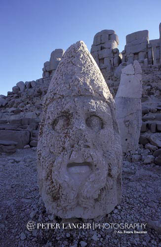 Turkey;Turkish;Asia;Europe;Adiyaman;Antiochus I;Archaeology;Art;Art history;Eastern terrace;Giant head;Hellenism;Heracles;Mausoleum;Nemrut Dag;ruler;Commagene;Sculpture;UNESCO;World Heritage Site;Ancient