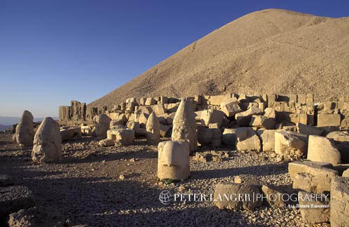 Turkey;Turkish;Asia;Europe;Adiyaman;Antiochus I;Archaeology;Art;Art history;Hellenism;Mausoleum;Nemrut Dag;ruler;Commagene;Sculpture;Statuary;UNESCO;Western Terrace;World Heritage Site;Ancient