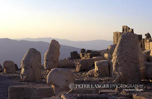 Turkey;Turkish;Asia;Europe;Adiyaman;Antiochus I;Archaeology;Art;Art history;Hellenism;Mausoleum;Nemrut Dag;ruler;Commagene;sunset;Sculpture;Statuary;UNESCO;Western Terrace;World Heritage Site;Ancient